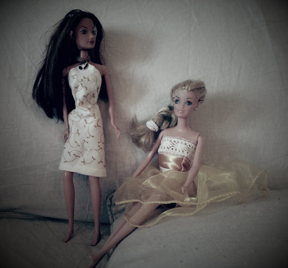 Mamma mi fai i vestiti per la Barbie?