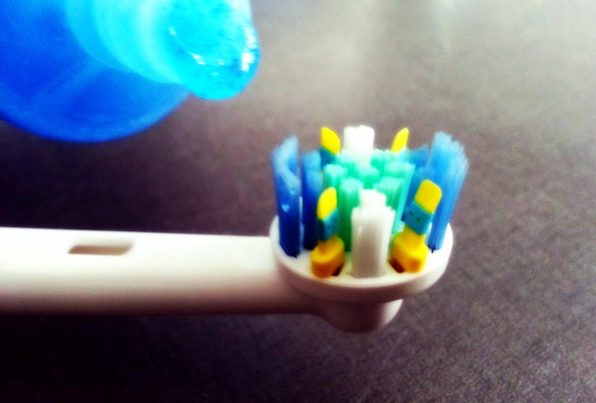 Il fluoro fa male: fatevi il vostro dentifricio!